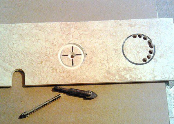 Отвір в плитці під розетку. Як зробити отвір в кахельній плитці під розетку (вимикач)? як просвердлити отвір під розетку