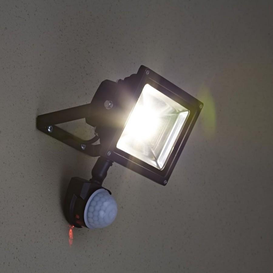 Який краще датчик руху для включення світла. Мікрохвильовий датчик руху-принцип роботи і установка