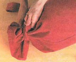 Подушка валик своїми руками схеми. Подушка-валик своїми руками-схеми в допомогу