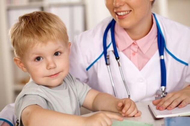 Що потрібно робити і чого робити не можна, якщо дитину вкусив кліщ. Дитину вкусив кліщ-наскільки це небезпечно і які захворювання загрожують малюкові
